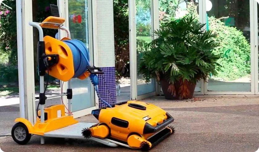 Робот пылесос для общественного бассейна Dolphin Wave 200 XL robot4home.ru